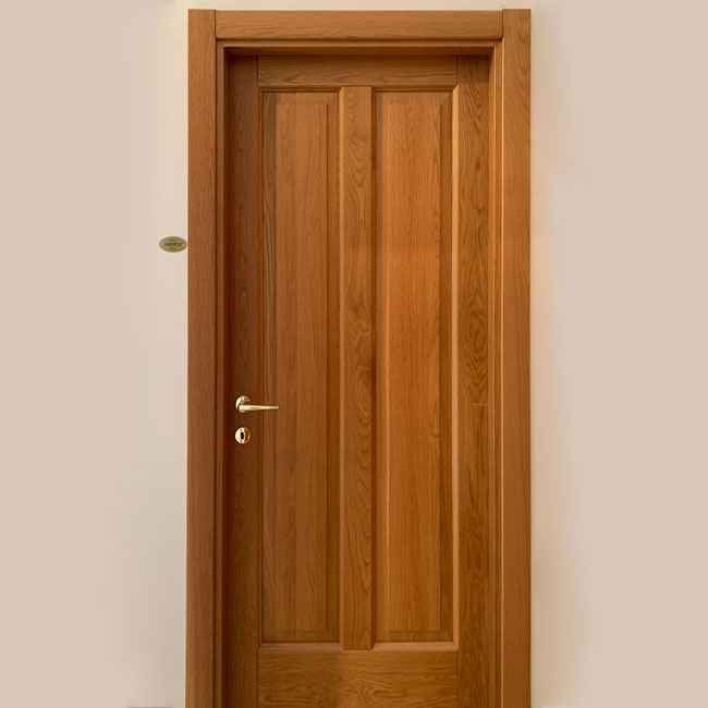 Esposizione porta legno